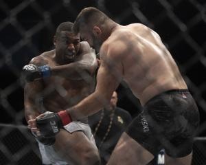 Overeem vs. Harris Odds UFC 172